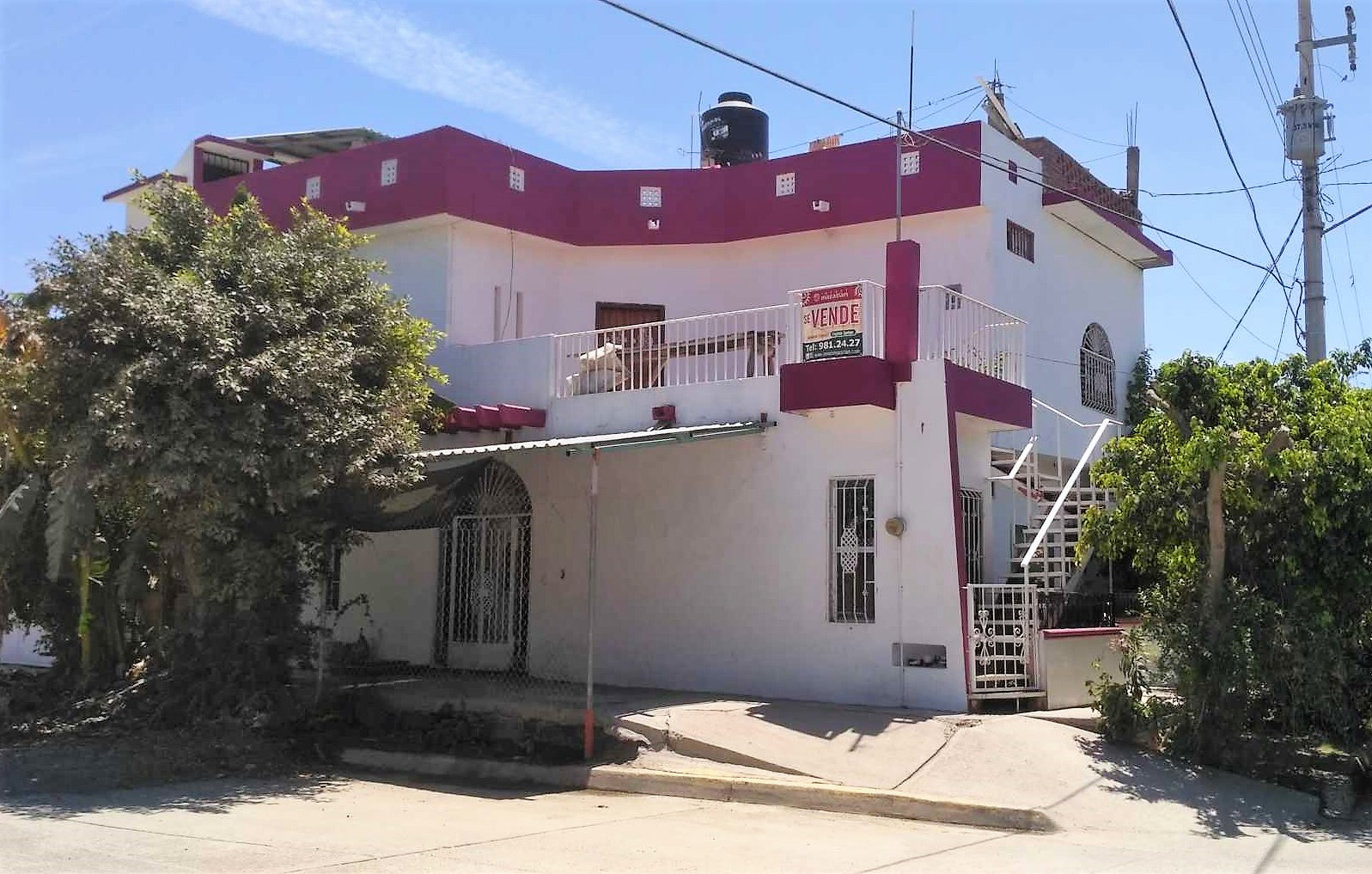 Large house with an independent apartment- $160,000 MXN OFF!!