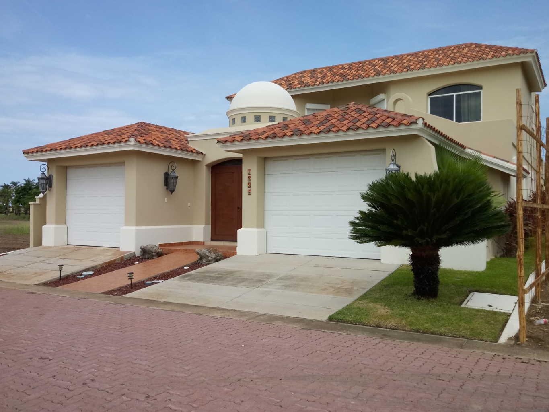 Exclusiva casa cerca de la playa en el conjunto Estrella Del Mar