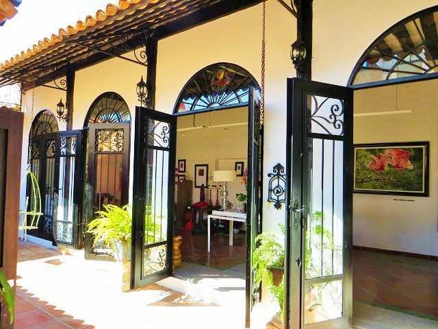 Casa colonial cerca de la playa – Uso residencial y comercial!