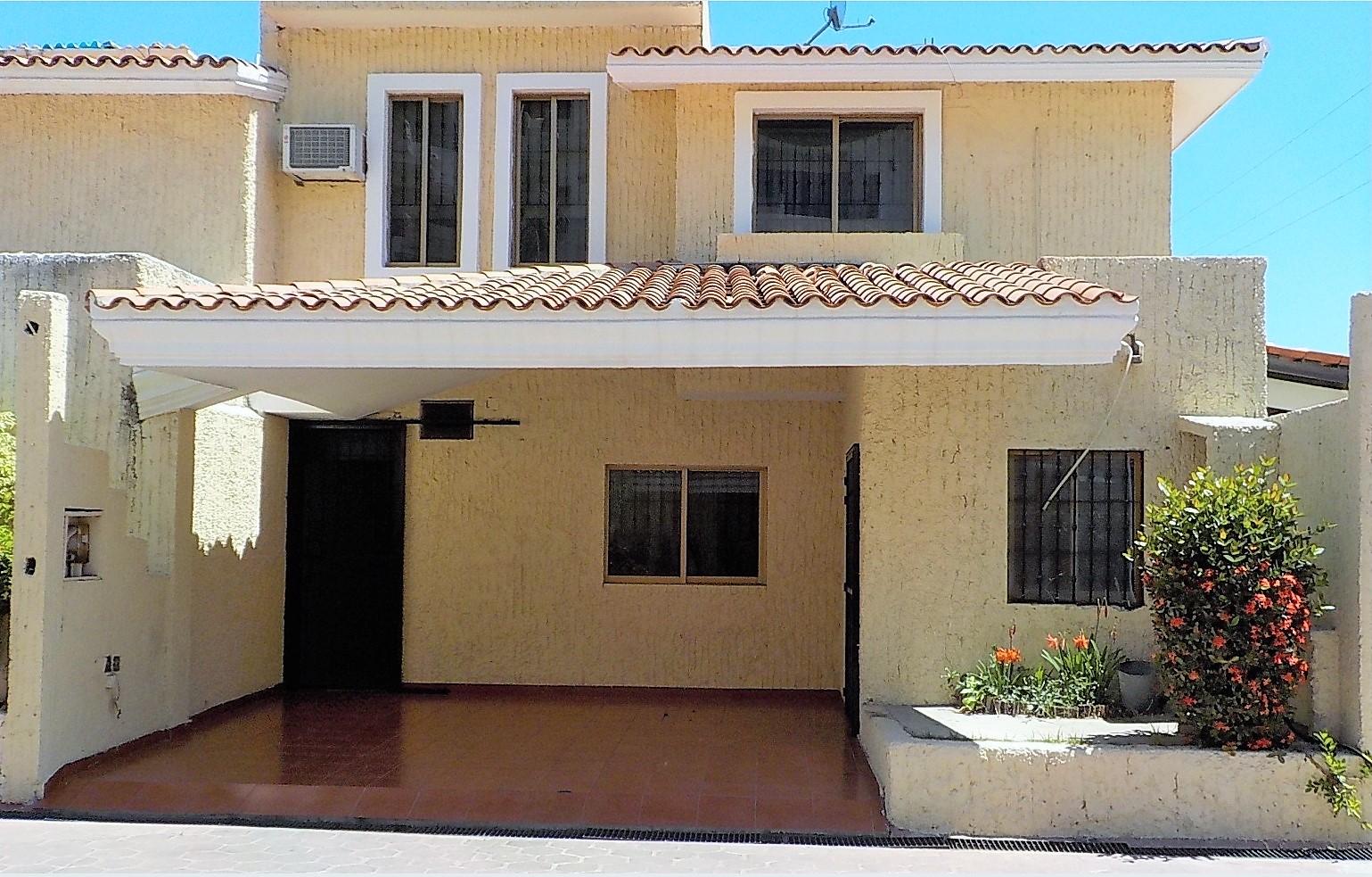 Casa en privada en Lomas de Mazatlán con la mejor ubicación