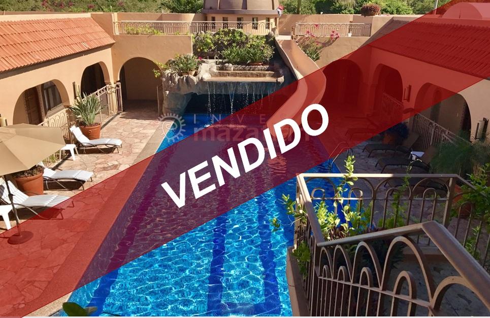 Casa de lujo o hotel boutique con 2 terrenos extra frente a la Playa el Delfín – ¡OPORTUNIDAD DE INVERSIÓN ÚNICA!