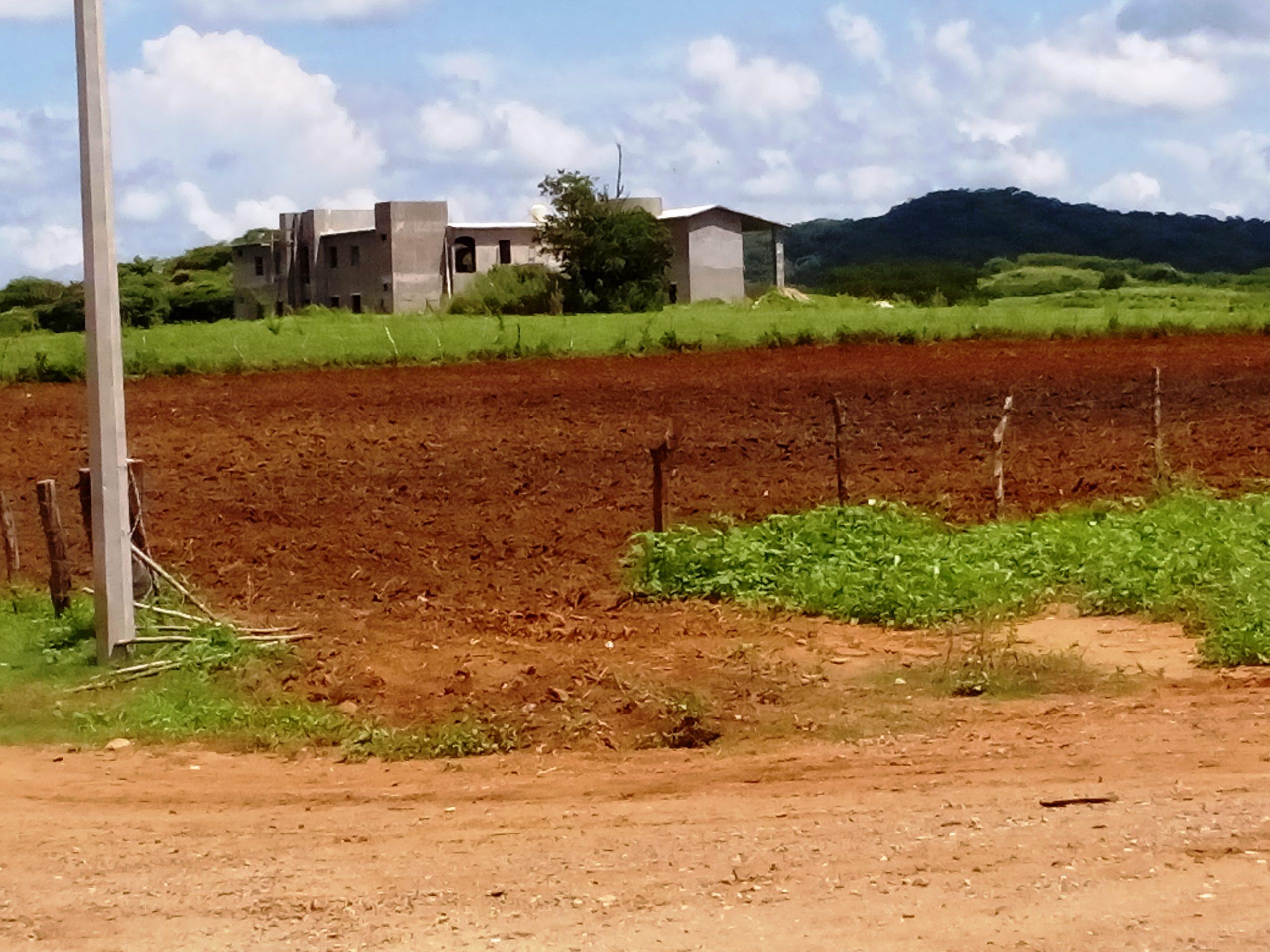 Hacienda con 10 habitaciones + 6 hectáreas de campo