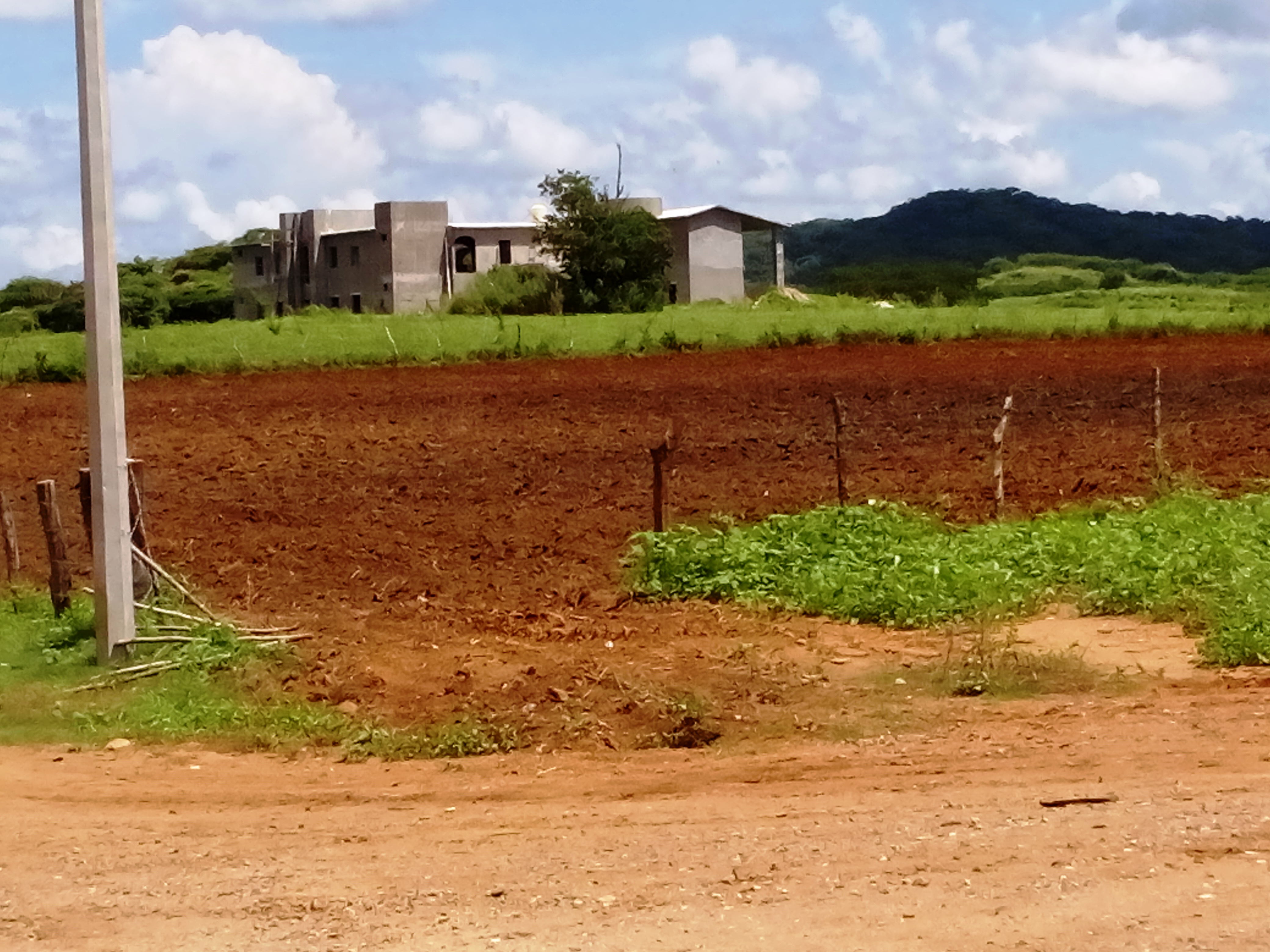 10 bedroom Hacienda + 6 hectares in the country