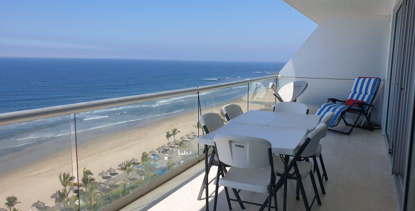 Hermoso condominio en Península Nuevo Mazatlán – justo frente a la playa!