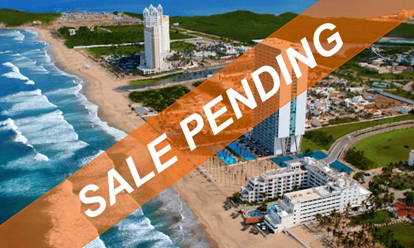 First-class beachfront condo in Peninsula Nuevo Mazatlan – OPPORTUNITY!
